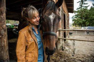 Conocé todo Enseña a tu caballo a dar un abrazo